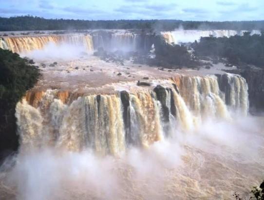 Manavgat, Kurşunlu falan şelalecikmiş meğer: İguazu Şelaleleri